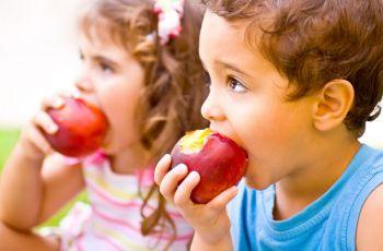 Alimentação das crianças: alerta! 8 cuidados que você tem que ter.