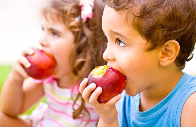 alimentacao-das-criancas-alerta-8-cuidados-que-você-tem-que-ter