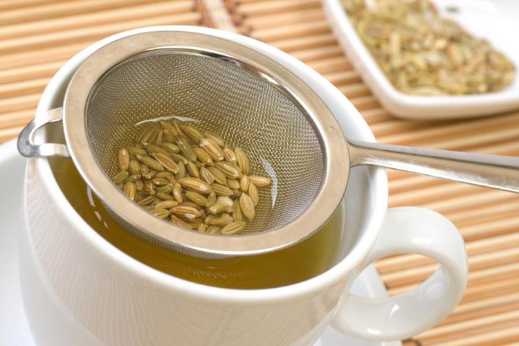 remedio caseiro para azia - chá de funcho