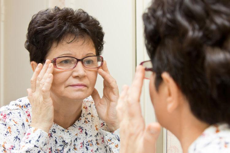 Lentes de contato ou óculos - material da lente